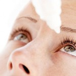 Krople do oczu przy stosowaniu soczewek jednodniowych